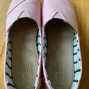 Tom's Canvas slip on shoes